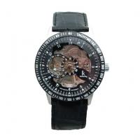 Selvopptrekkende klokke med sort lærreim